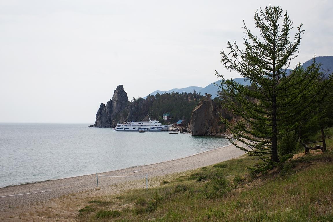 бухта Академическая, Центр отдыха «Байкальские Дюны».